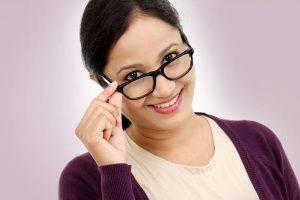 glasses reading lady | Exámenes De La Vista Y Optometrista En La Junta, Y En Lamar, CO
